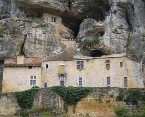chateau-falaise-maisonforte-de-reignac